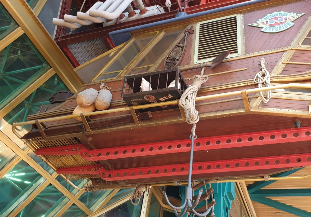 The pigeons on the Discoveryland airship